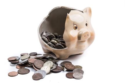 broken-piggy-bank-1472485404YoO